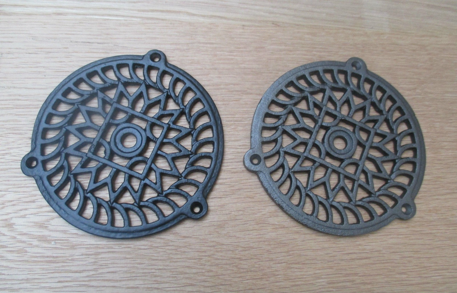 Traditional Round Victorian Vintage Cast Iron Air Vent Air