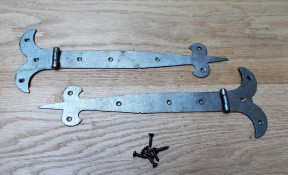 "Pair of 10"" Fleur de lys Steel Hinges Antique Iron"