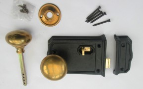 Farmhouse style latch lock set 3