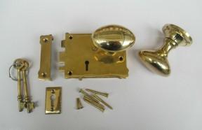 East Lake Plain Lock & Oval Rim Brass Set