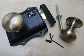 Olde Latch Black & Victorian Rim Antique Brass Set