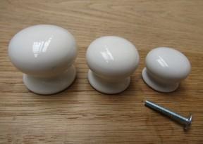 Old English White Plain Cabinet Knob 30mm