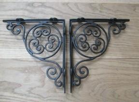 Pair Of Jubilee Shelf Brackets Antique Iron