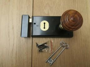 "5.5"" Rim Lock Black & Bunned Rim Teak + Brass Set"