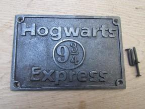 Cast Iron Hogwarts Express Plaque