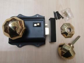 Olde Latch Black & Octagonal Rim Polished Brass Set