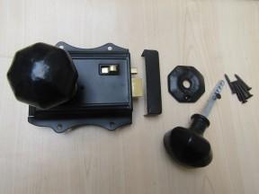 Olde Latch Black & Cast Iron Octagonal Rim Black Set