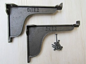 """Pair Of 6"""" GNER Lipped Brackets Antique Iron"""
