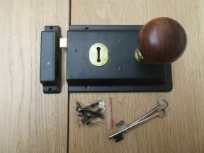 """6"""" Rim Lock Black & Plain Bun Teak + Brass Set"""
