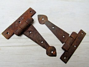 "Pair Of 4"" Spear Cabinet Hinge Rust"