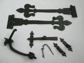 "Set of 18"" Spear head with curls hinge + 9"" Thumb latch Black Antique"