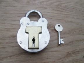 Old english steel padlock 80mm