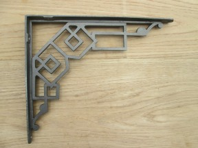 Fancy Cast Iron Shelf Bracket