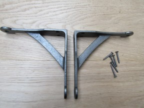 Pair Of Cast Iron Penny End Shelf Brackets 6""