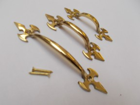 Fleur De Lys Cabinet Pull Handle Polished Brass 5""