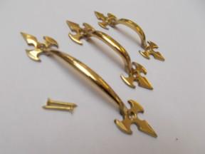 "Fleur De Lys Cabinet Pull Handle Polished Brass 6.5"""
