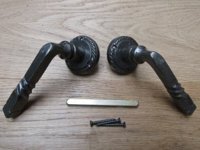 Pair Of Twisted Lever On Rose Door Handles Antique Iron