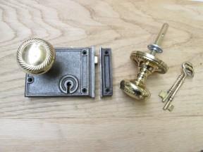 Horizontal Rim Lock Antique Iron & Georgian Rim Set