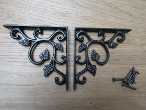 Pair Of Small Leaf Shelf Brackets Antique Iron