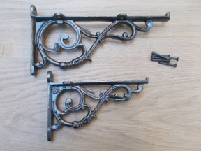 Pair Of Small Lipped Shelf Brackets Antique Iron