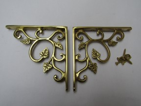 Pair Of Small Leaf Shelf Brackets Polished Brass