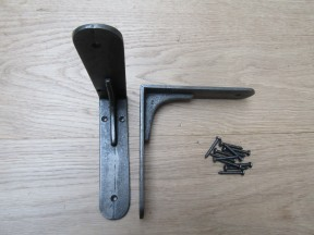 "Pair Of 6"" Sheffield Shelf Brackets Antique Iron"
