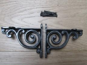 Pair Of Swirl Shelf Brackets Antique iron