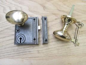 Vertical Rim Lock Antique Iron & Oval Brass Set