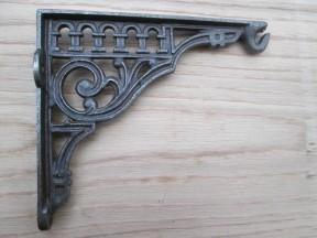 Roman railway cast iron scroll bracket