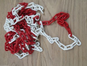 Plastic Chain 6mm Red & White