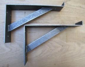 Pair of Window Lipped Shelf Bracket antique iron