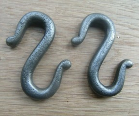 Pack of 2 Cast Iron S Hooks Antique Iron