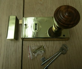 "5.5"" Rim Lock Brass & Bun Rimmed Teak + Brass Set"