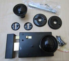 Rim Latch Black & Bakelite Plastic Rim Black Set