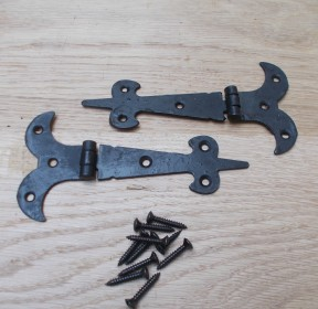 "Pair of 6"" Fleur De Lys Steel Hinge Black"