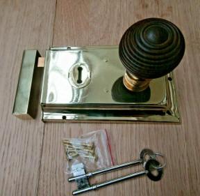 "6"" Rim Lock Brass & Beehive Teak + Brass Set"