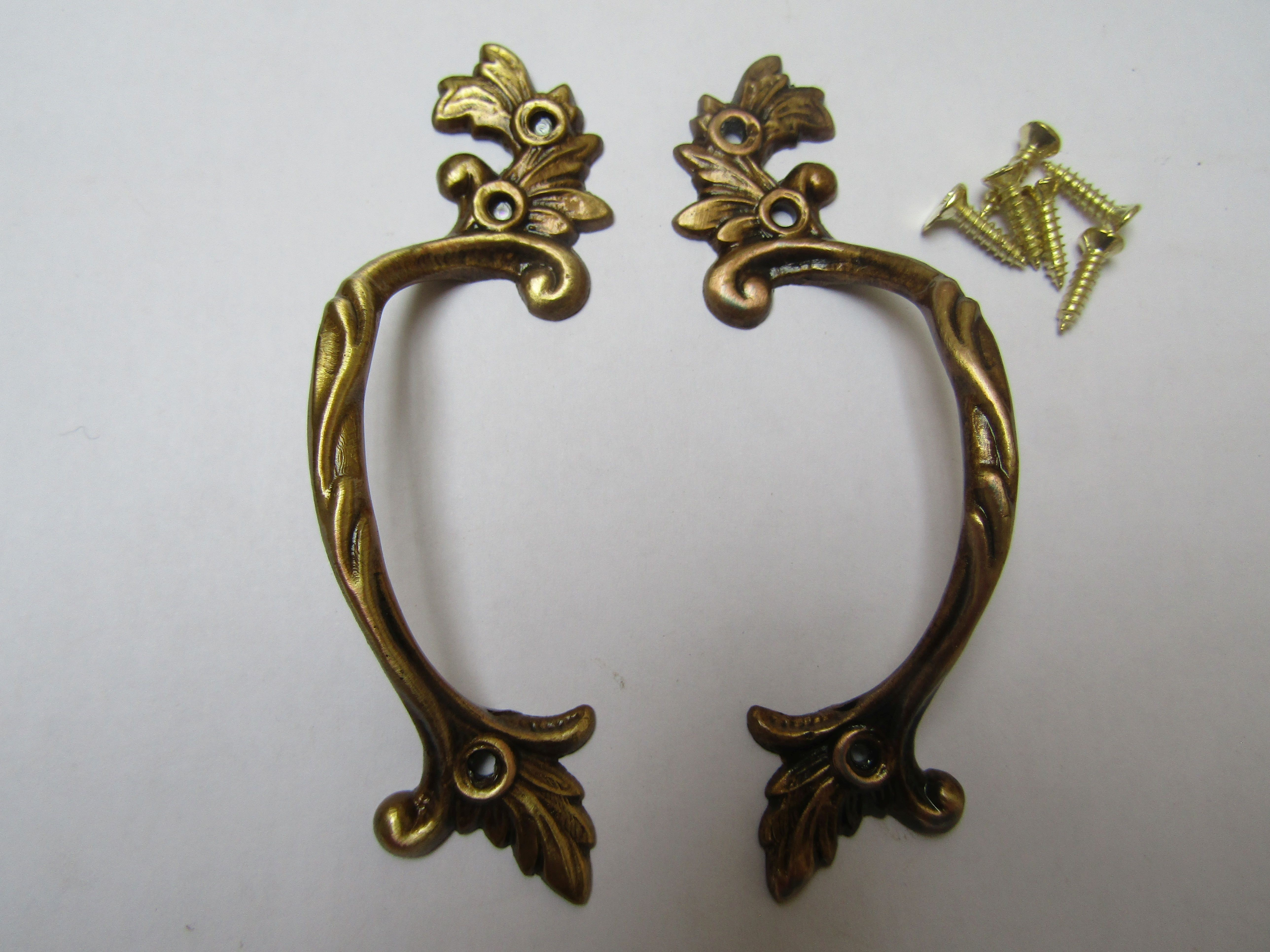 VINTAGE ANTIQUE STYLE SOLID BRASS PAIR OF CABINET DOOR HANDLES ....DRAWER PULLS