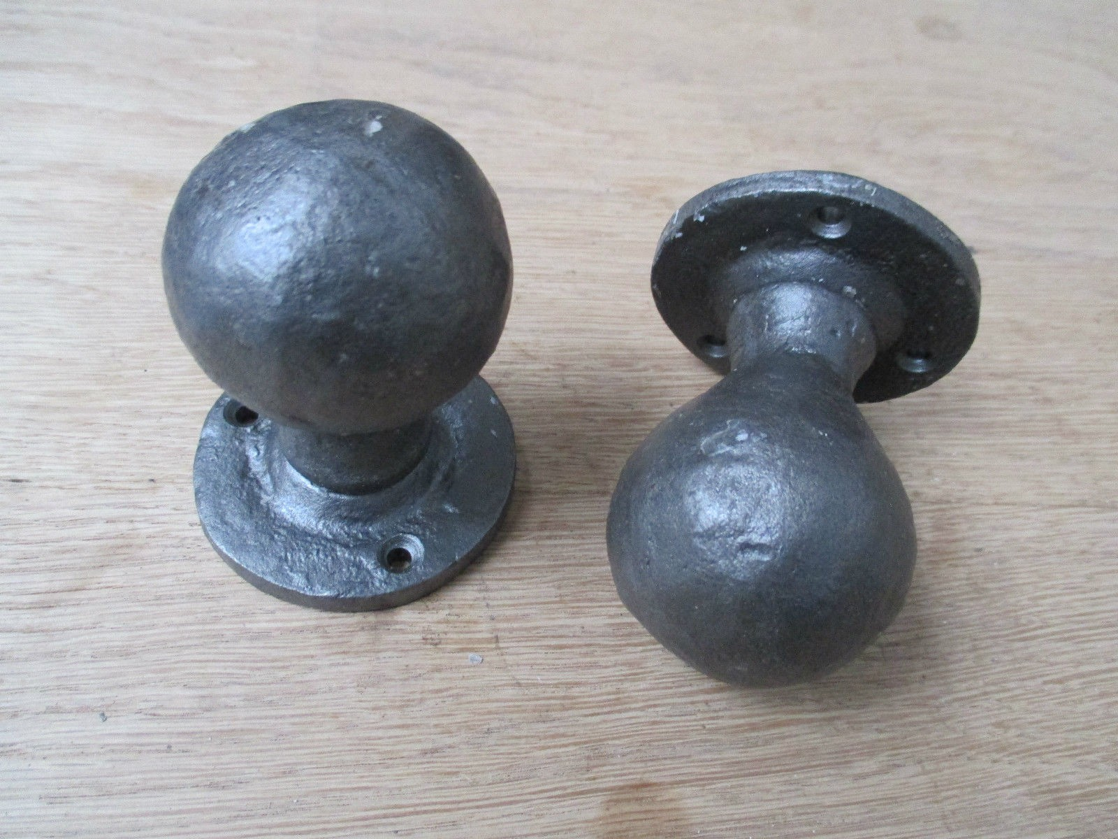 Round Ball Shaped Door Knobs Ironmongery World
