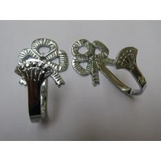 Traditional Bow Curtain Hook Polished Chrome
