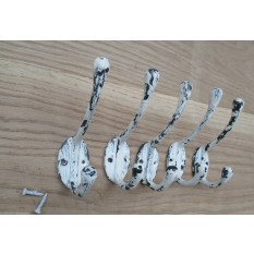 Pack Of 5 White Distressed Victorian Coat Hooks