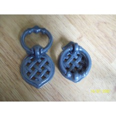 Lattice pull handle