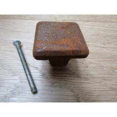 Plain square shaker cabinet knob rust