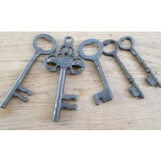 Pack Of 5 Cast Iron Decorative Keys