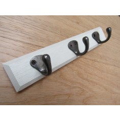 Off White Wooden Key Hanger Antique Iron Hooks