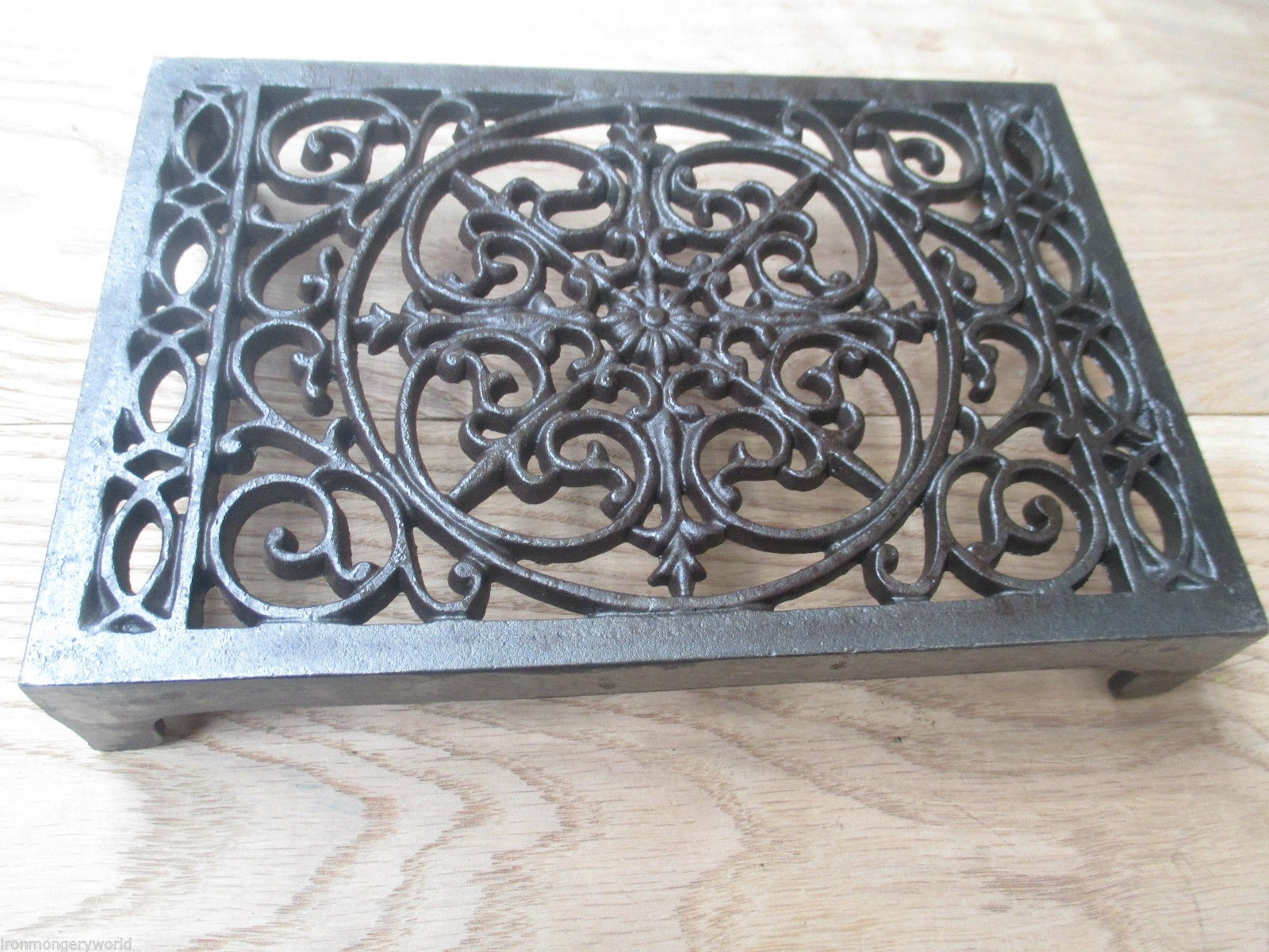New Quality Cast Iron Air Brick Vent Victorian Pattern